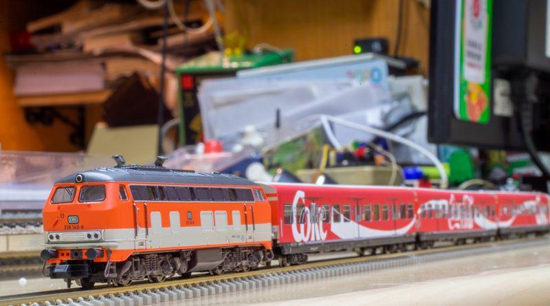 Minitrix 可口可樂廣告塗裝通勤列車