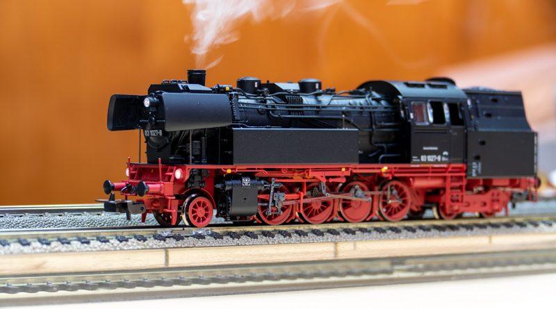 PIKO BR83.10 數控音效版側水櫃蒸汽機車