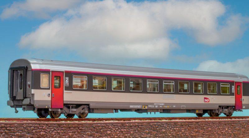 LS Models HO SNCF 客運車廂, 3節裝。